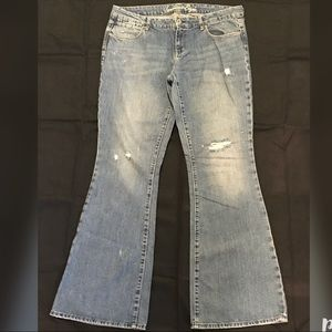 American Eagle Distressed Boot cut 14 long